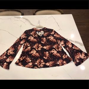 Taylor & Sage Tops - Taylor & Sage Floral Bell Long Sleeves Lace Small